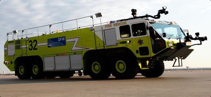 Oshkosh Polska lotniskowe wozy strażackie ARFF wóz strażacki Striker 4500