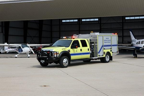 Lotniskowy samochód ratowniczo-gaśniczy szbkiego reagowania Oshkosh Stinger Q4