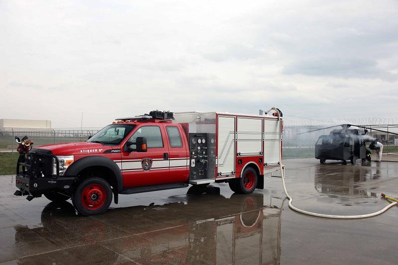 Lotniskowy samochód ratowniczo gaśniczy szbkiego reagowania Oshkosh Stinger Q4