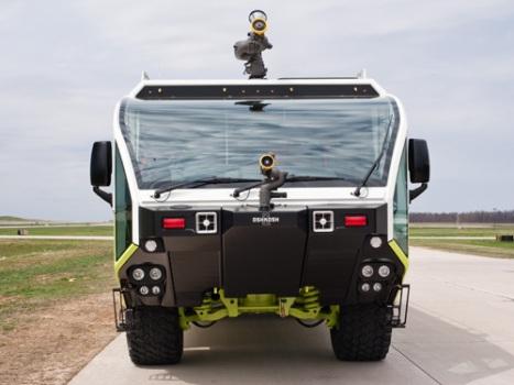 Oshkosh Polska lotniskowe wozy strażackie ARFF wóz strażacki Striker 1500
