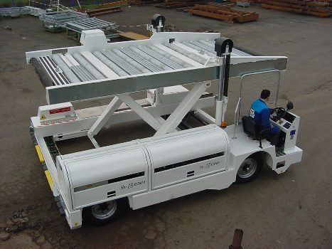 transporter lotniczych palet kontenerów cargo